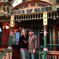 Foto scattata a House of Blues Restaurant & Bar da Dj S. il 2/12/2013