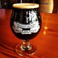 5/22/2013 tarihinde Alison S.ziyaretçi tarafından Fremont Brewing Company'de çekilen fotoğraf