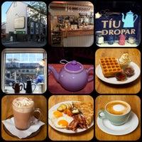 รูปภาพถ่ายที่ Tíu Dropar โดย Tíu Dropar เมื่อ 10/9/2013