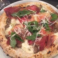 Foto tomada en Napoletani D.O.C. Restaurant & Pizzeria por Natalia el 8/20/2018