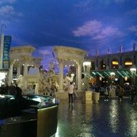 10/23/2012 tarihinde Steve B.ziyaretçi tarafından Festival Fountain - The Forum Shops at Caesars Palace'de çekilen fotoğraf