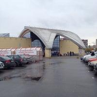 รูปภาพถ่ายที่ ТРК «Северный Молл» โดย Сергей В. เมื่อ 10/18/2013