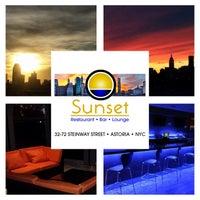 Das Foto wurde bei Sunset Lounge von Sunset Lounge am 4/4/2014 aufgenommen