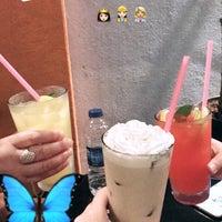 Foto tirada no(a) Mephisto Cafe por Zülfiye G. em 8/10/2017