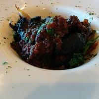 10/19/2014にWesley T.がBTH Restaurant and Loungeで撮った写真