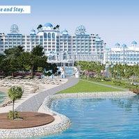Das Foto wurde bei Rubi Platinum Spa Resort & Suites von Serhat K. am 9/12/2013 aufgenommen