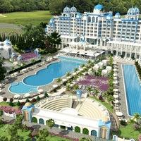 Das Foto wurde bei Rubi Platinum Spa Resort & Suites von Serhat K. am 8/6/2013 aufgenommen