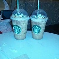 1/19/2013 tarihinde Alan D.ziyaretçi tarafından Starbucks Coffee'de çekilen fotoğraf