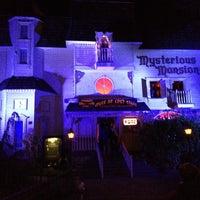 10/27/2013 tarihinde Douglas M.ziyaretçi tarafından Mysterious Mansion'de çekilen fotoğraf