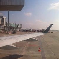 Снимок сделан в Gate 41 пользователем Aga P. 4/13/2012