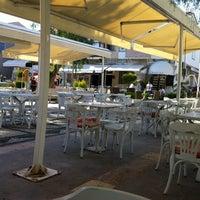 Foto scattata a Gizem Cafe da Nes Q. il 5/4/2012