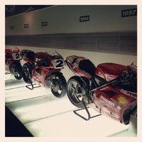 Снимок сделан в Ducati Motor Factory & Museum пользователем Ricardo G. 5/24/2013