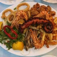 รูปภาพถ่ายที่ Ψαροταβερνα Κουκλις / Kouklis Restaurant โดย Boryana เมื่อ 6/25/2016