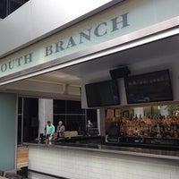 Снимок сделан в South Branch Tavern & Grille пользователем Ross G. 6/15/2013