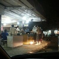รูปภาพถ่ายที่ Khanna Market โดย Marietta U. เมื่อ 5/14/2013