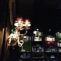 Foto tirada no(a) The Lady Silvia Lounge por Leo S. em 2/2/2013