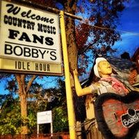 Das Foto wurde bei Bobby's Idle Hour Tavern von Don F. am 11/8/2013 aufgenommen