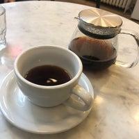 Photo prise au Gotham Coffee Roasters par Siyun F. le11/11/2018