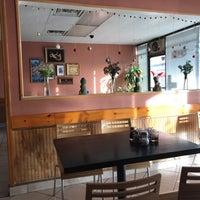 Foto diambil di Sri Siam Cafe oleh David H. pada 12/9/2017
