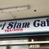 Foto diambil di Sri Siam Cafe oleh David H. pada 12/11/2016