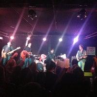 Photo prise au Mercury Lounge par nick k. le5/25/2013