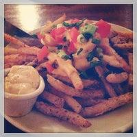 Das Foto wurde bei Hyde Park Bar & Grill von Caitlin O. am 2/22/2013 aufgenommen