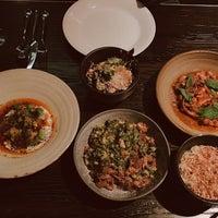 Das Foto wurde bei Maha Restaurant von Tasnime am 11/16/2018 aufgenommen