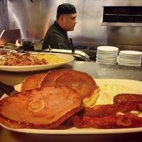 10/14/2013에 Keno's Restaurant님이 Keno's Restaurant에서 찍은 사진