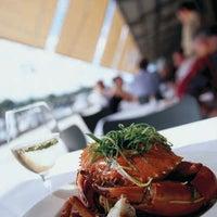 Foto diambil di Manta Restaurant oleh Manta Restaurant pada 10/16/2013