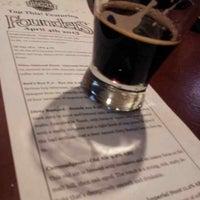 4/5/2013 tarihinde Kostya K.ziyaretçi tarafından Fischman Liquors & Tavern'de çekilen fotoğraf