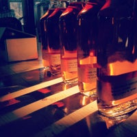 Photo prise au Kings County Distillery par The Festive Anthropologist le2/9/2013