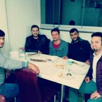 รูปภาพถ่ายที่ ETİKET MANGAL โดย Burak Y. เมื่อ 10/9/2015