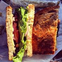 Foto scattata a Simply Soup Salad  & Sandwiches da Mike R. il 11/19/2013