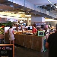 Photo prise au Union Market par Bruce S. le4/27/2013