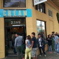5/27/2013 tarihinde Faran T.ziyaretçi tarafından CREAM of Berkeley'de çekilen fotoğraf