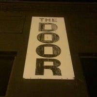 Das Foto wurde bei The Door von Juan G M. am 12/9/2012 aufgenommen
