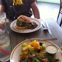 Das Foto wurde bei Bragg's Factory Diner von Kate B. am 7/27/2013 aufgenommen