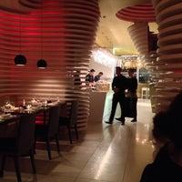 10/19/2013에 Harry G.님이 SushiCafé Avenida에서 찍은 사진