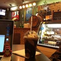 Das Foto wurde bei Blabladía Bistro Café von ToNy P. am 5/28/2015 aufgenommen