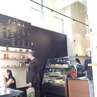 5/23/2015 tarihinde Yoshie N.ziyaretçi tarafından Ogawa Coffee Boston'de çekilen fotoğraf