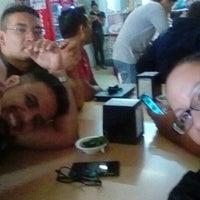 Foto tomada en Burritos La Palma por Jeanet H. el 7/20/2016