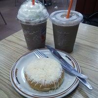Снимок сделан в Dunkin Donuts пользователем felle 4/12/2014