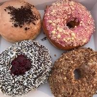 11/25/2016에 mikey 👾님이 All Day Donuts에서 찍은 사진