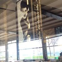 Foto tirada no(a) Chaplin Cafe & Restaurant por Meral Ç. em 3/7/2015