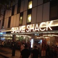 Photo prise au Shake Shack par Maha G. le7/23/2013