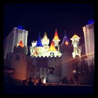 Foto scattata a Excalibur Hotel & Casino da Dave H. il 10/2/2012