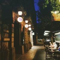 Photo prise au Toto Restaurante & Wine Bar par Ng Y. le6/4/2015