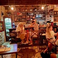 8/27/2021에 Noah W.님이 Marvlvs Library Jazz Bar에서 찍은 사진