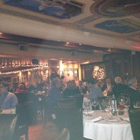 Das Foto wurde bei Cafe Milano von Liz S. am 12/24/2012 aufgenommen