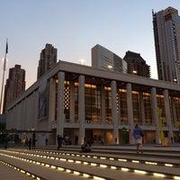 Снимок сделан в Lincoln Center for the Performing Arts пользователем Denys T. 10/8/2013